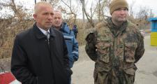 председатель РВГА Юрий Золкин, вице-губернатор Юрий Клименко; сзади – главный сп